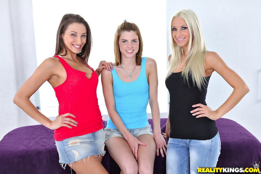 Lola Myluv Lesbian Massage